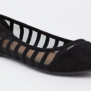 BRAND NEW Torrid Size 8 Black Mesh Stripe Flats